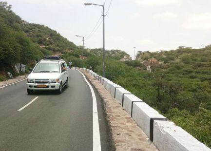 Jaipur Delhi Cabs